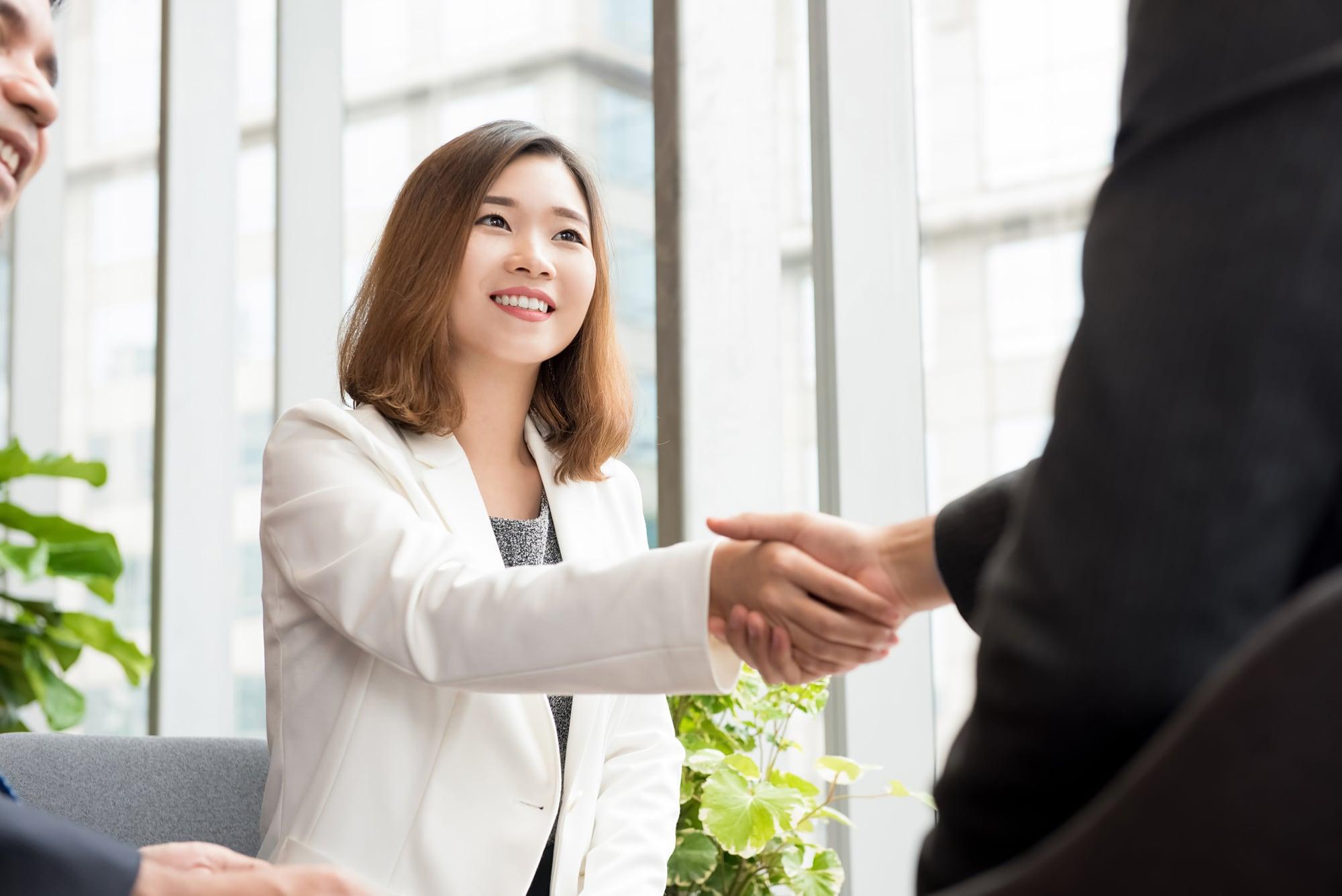 Bí quyết để biến phẩm chất hướng nội thành ưu thế khi networking