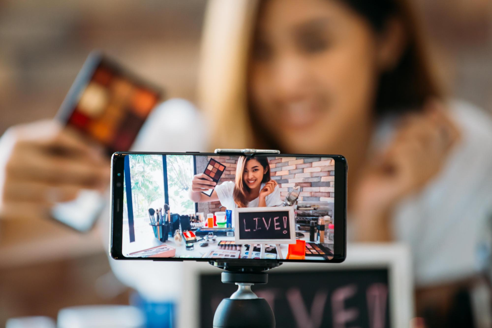 Livestream đang thay đổi toàn bộ ngành thương mại điện tử như thế nào?
