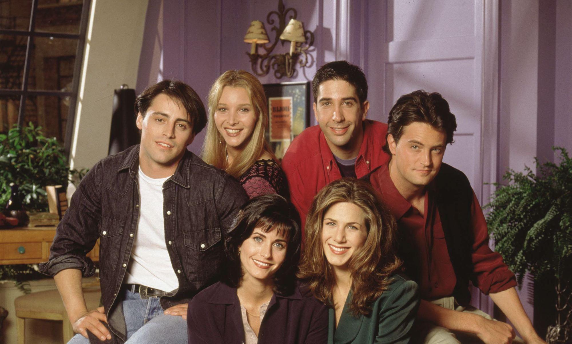 """Giải mã tủ đồ trường tồn với thời gian của """"Friends"""""""