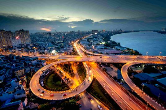 Vietnam's Thriving E-Commerce And Manufacturing Industries Driving Economic Growth