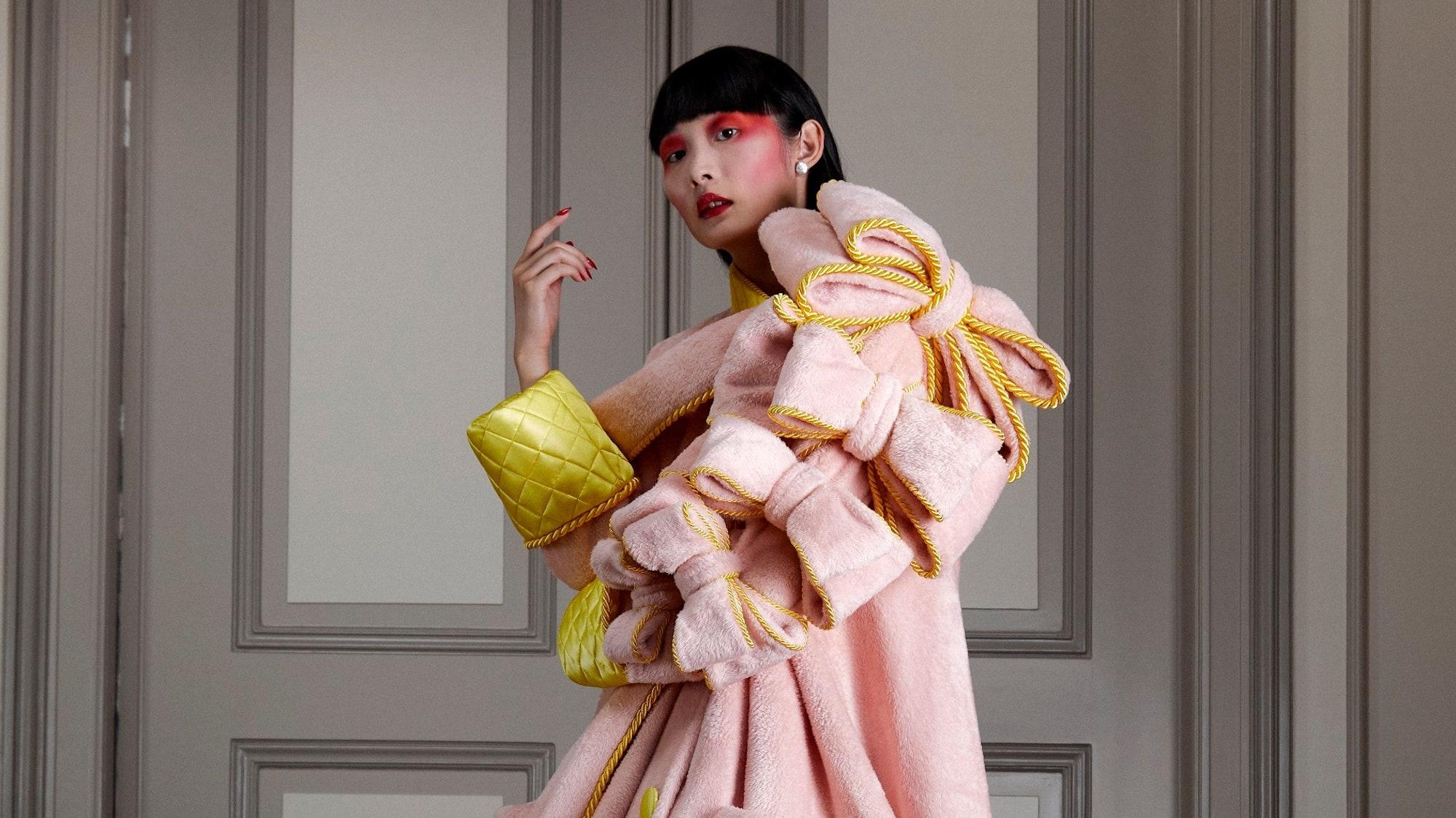 Sáng tạo vượt bậc trong 8 show diễn Haute Couture số tiêu biểu năm nay