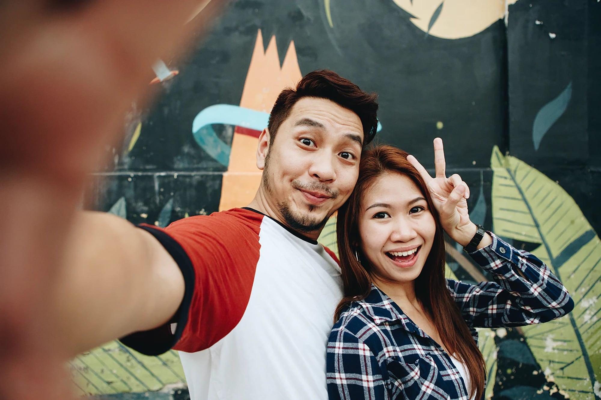 Người ta có thật sự hạnh phúc như những tấm ảnh trên mạng xã hội?