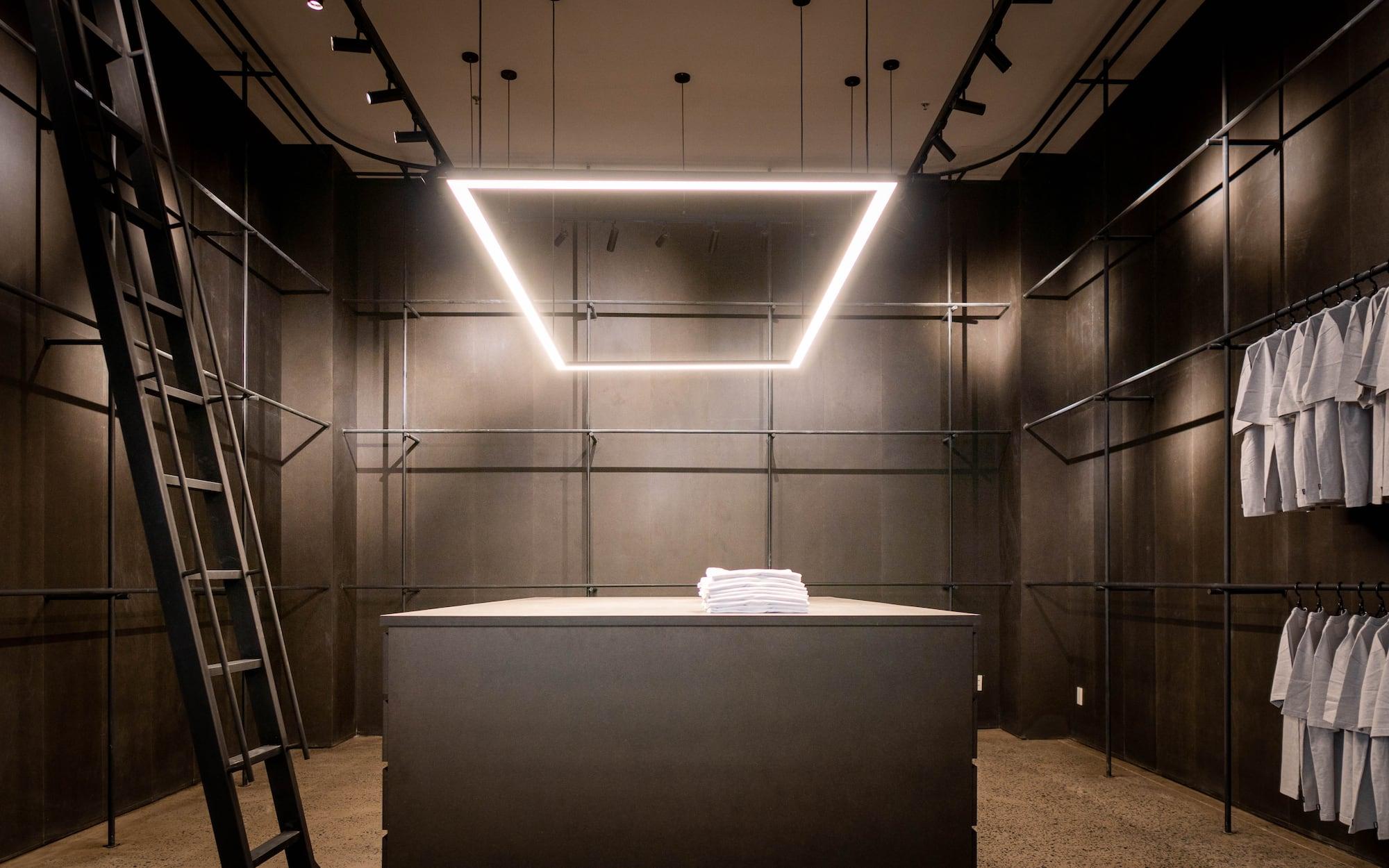 Vietcetera Visits: Bên trong không gian mới của công ty may mặc Un-Available