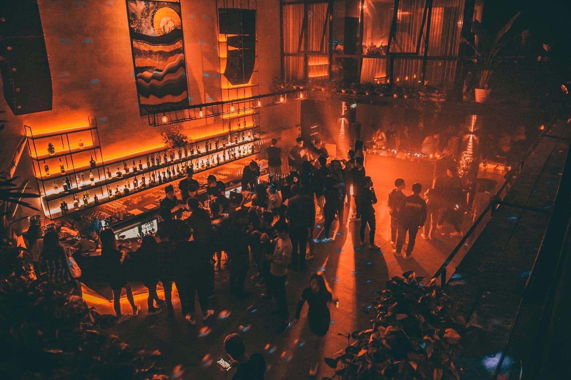 Tưng bừng tại 5 quán bar, club và sự kiện thân thiện với LGBT+ ở Hà Nội