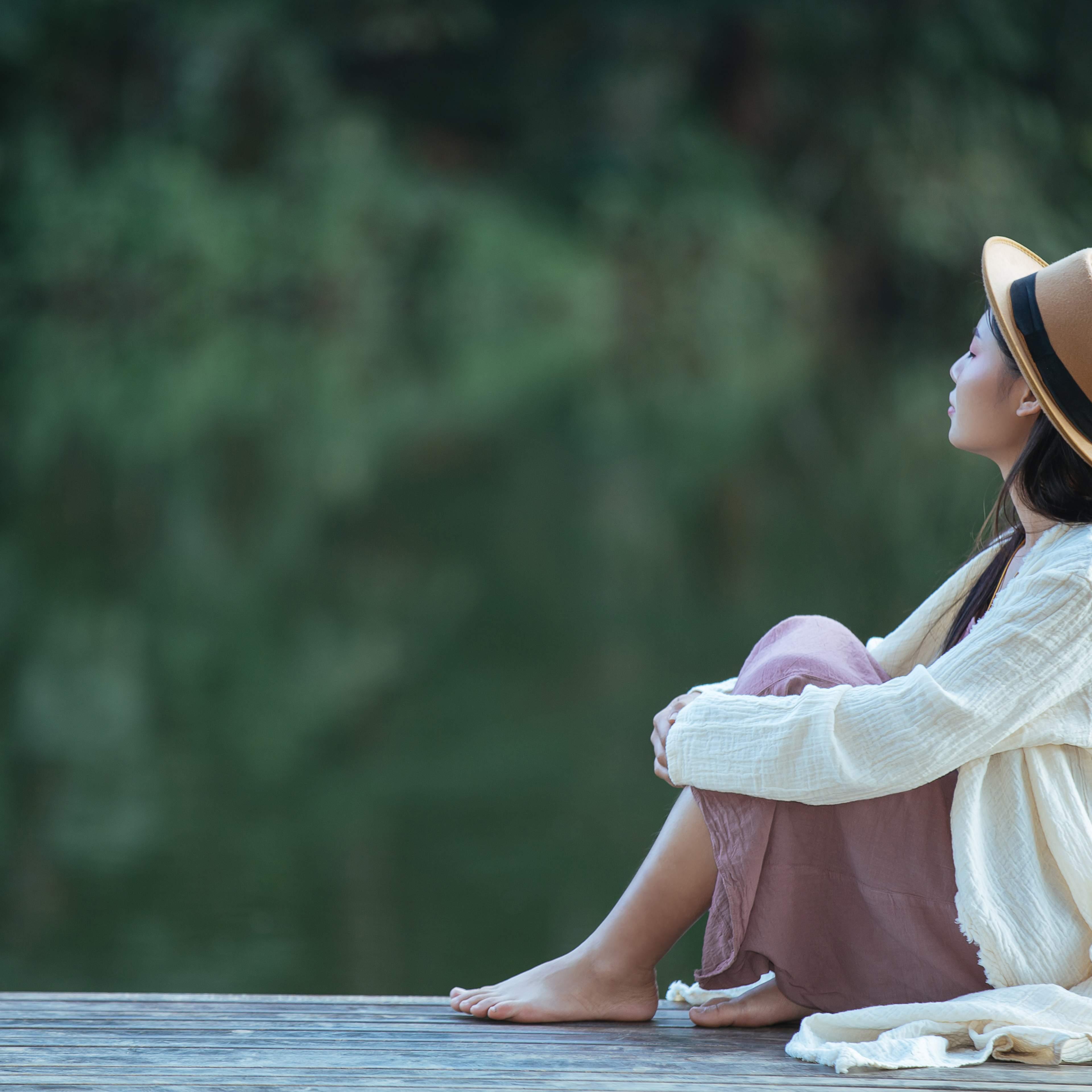 Thiếu hụt cảm xúc thời thơ ấu: Nguyên nhân và cách chữa lành