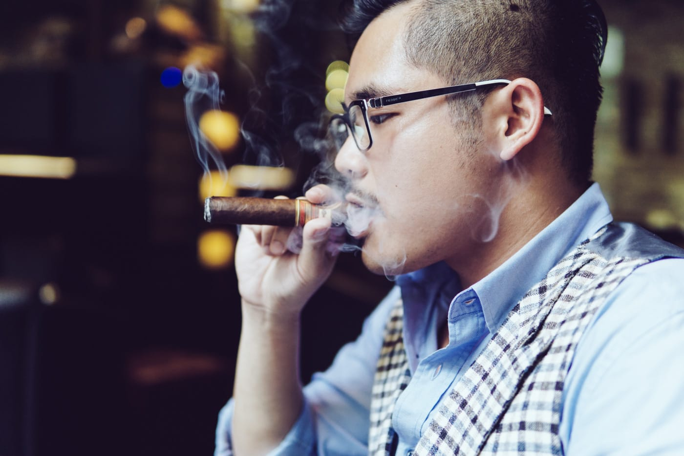 Dennis Tuan Phan - Cigar Club in Vietnam