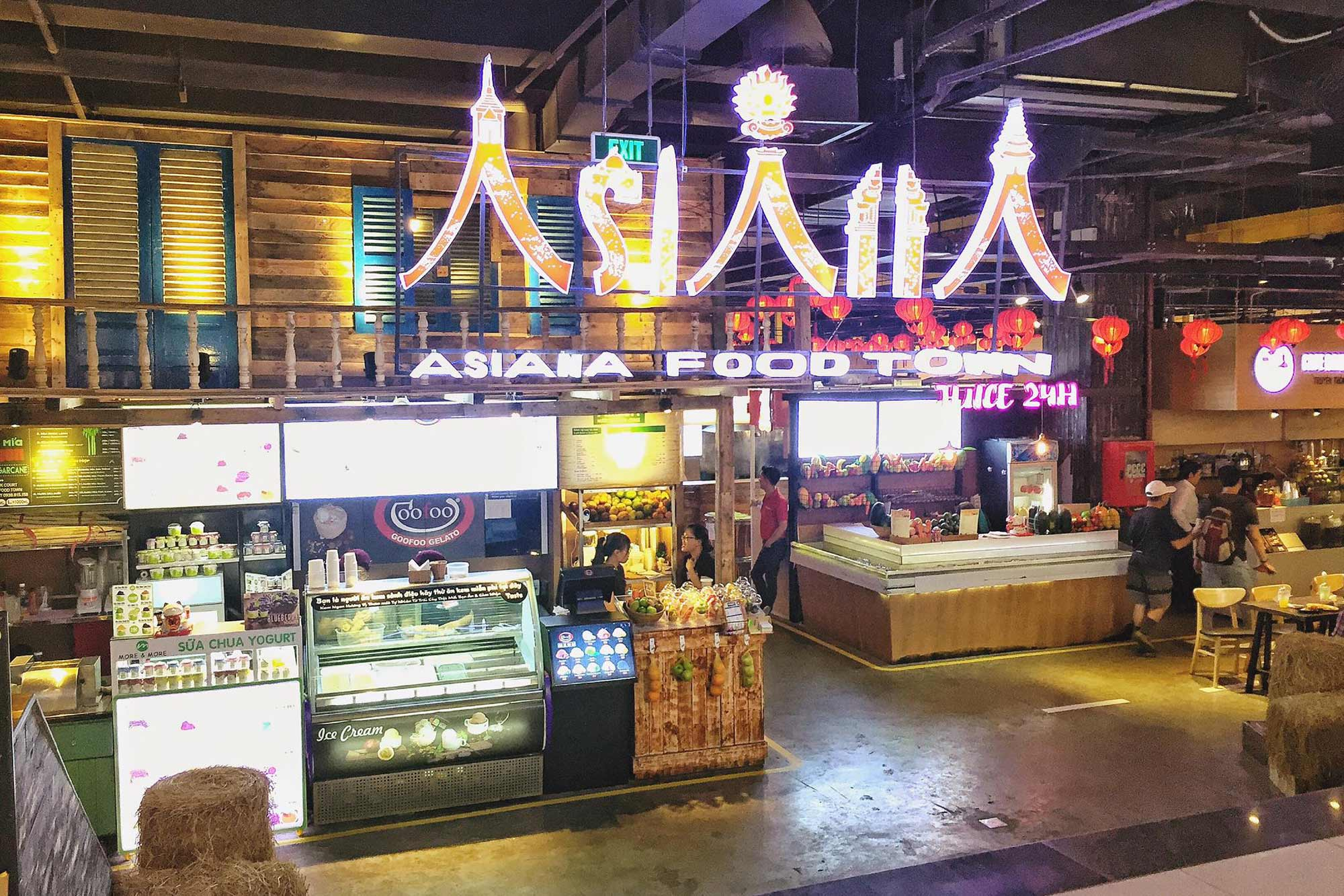 Food Courts And Parks In Ho Chi Minh City