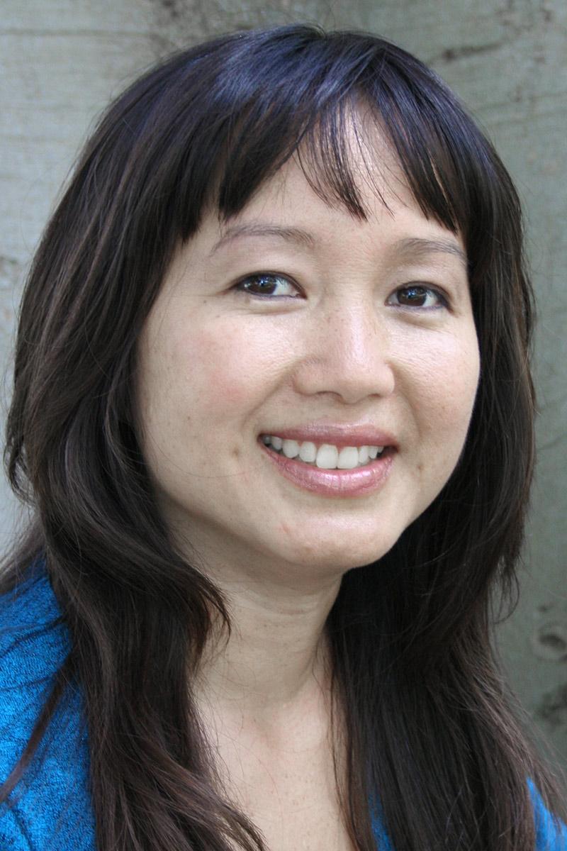 Professor Linda Trinh Vo