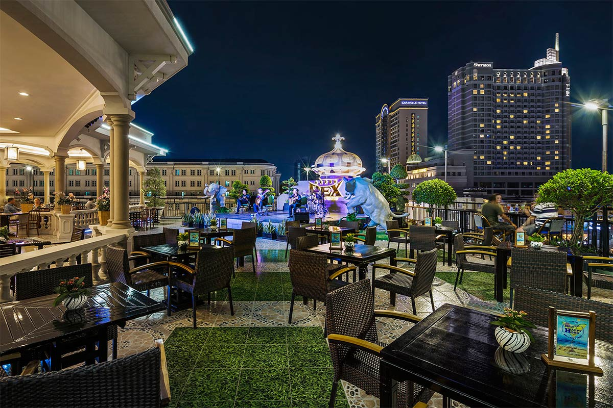 Military Time Clock >> Urban And Modern Rooftop Restaurants In Ho Chi Minh City