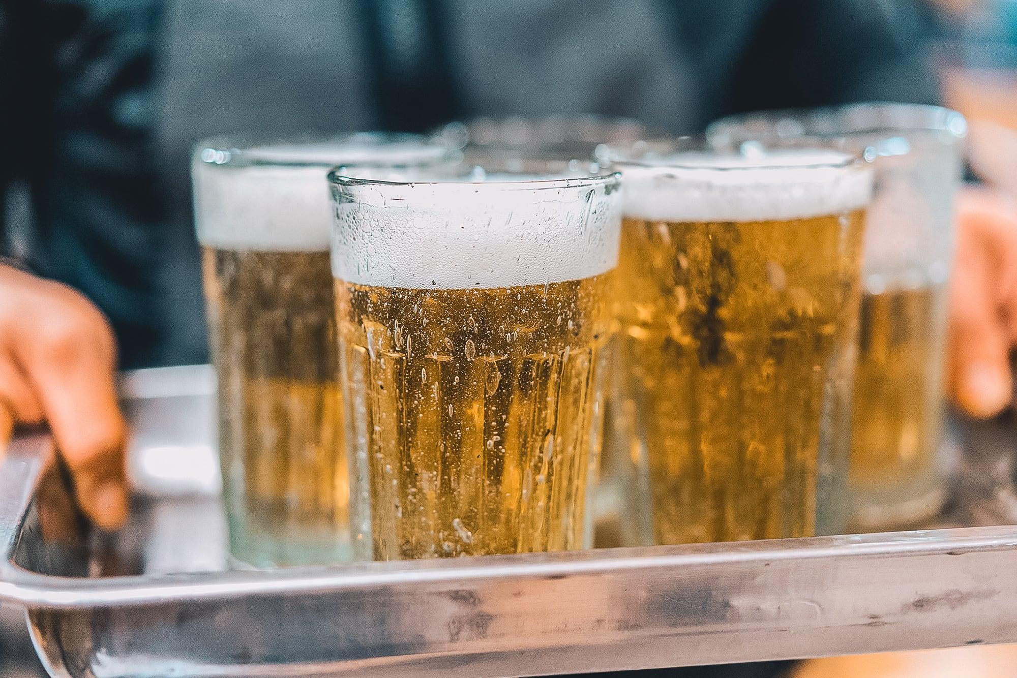 Tiêu thụ rượu bia tại Việt Nam: Những thực trạng và biện pháp khắc phục