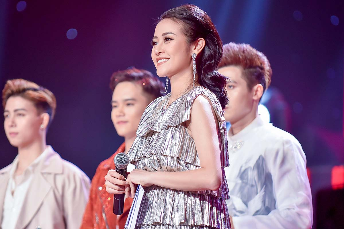Ask A Senior: Phí Linh