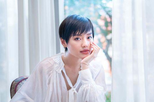 """Nghề Lạ: """"Cô Em Trendy"""" Khánh Linh kể chuyện đi tìm chất riêng"""