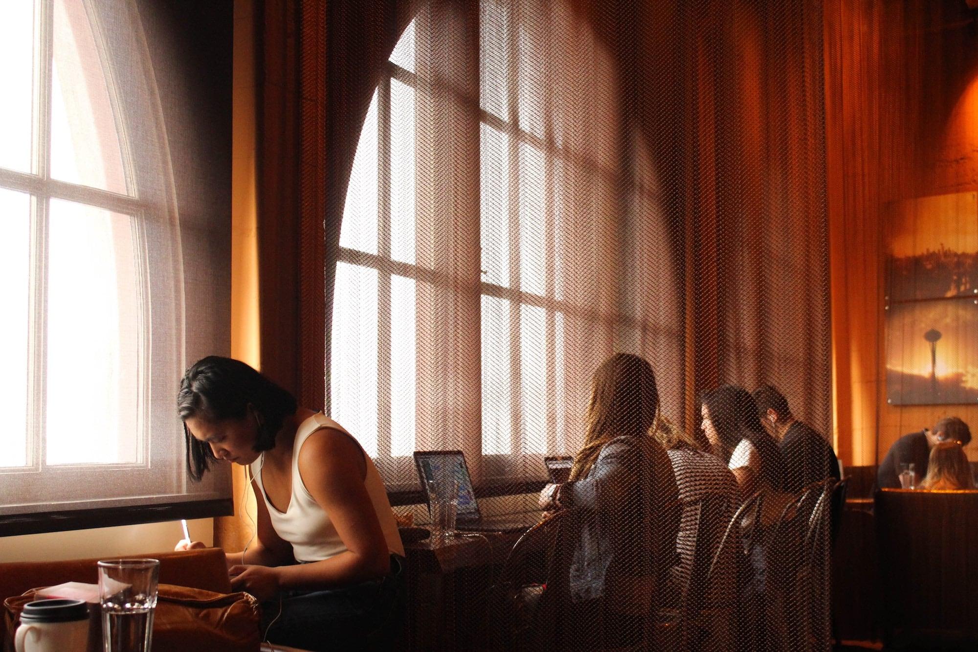 nghi thức quán cà phê