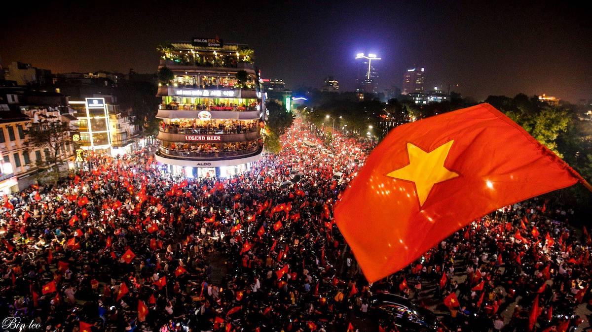 người Việt trẻ ăn mừng vô địch seagames 30