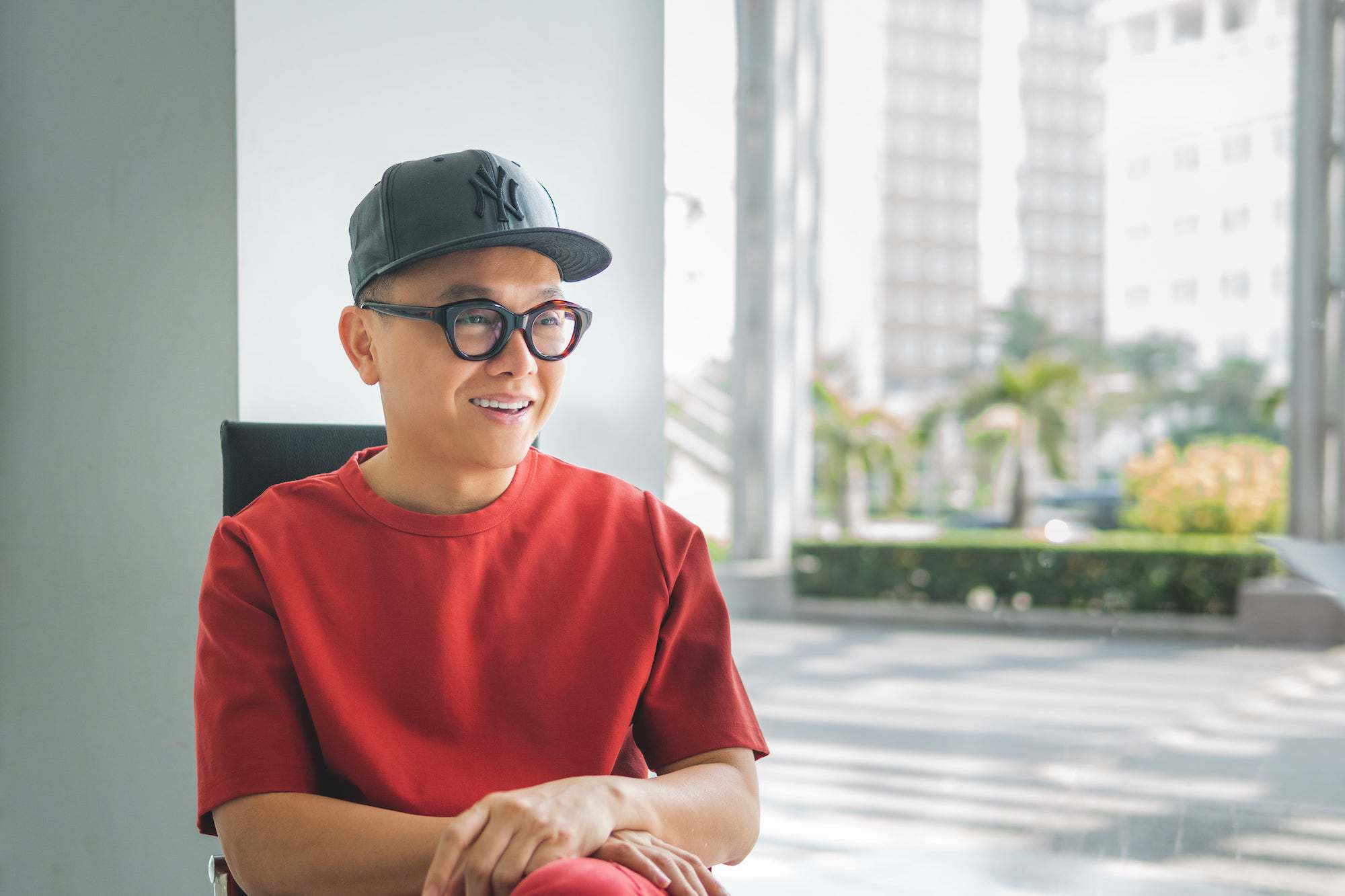 """Cong Tri Marks His 20th Year In Fashion With The Exhibition """"Cuc Im Lang"""""""
