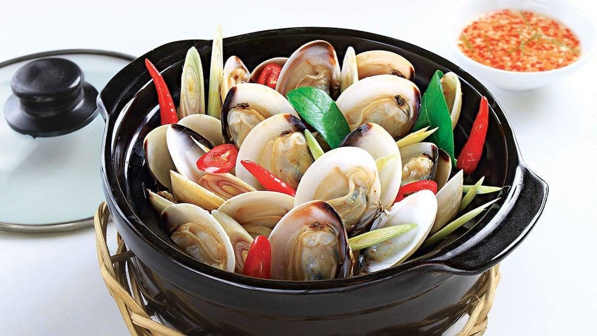 người Việt trẻ mê món ăn vặt đa văn hóa