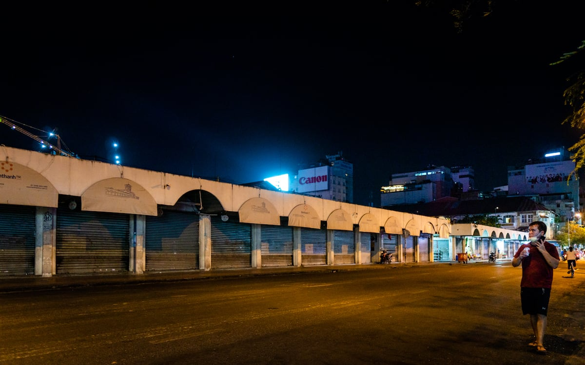 hcm-night-covid-19