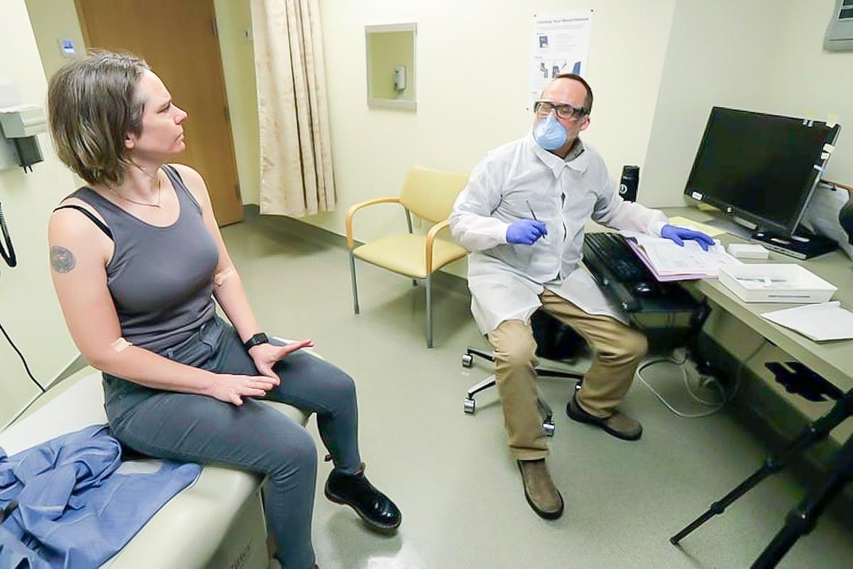 Ảnh: Đây là lần tiêm thử vắc xin COVID-19 đầu tiên trên thế giới-5