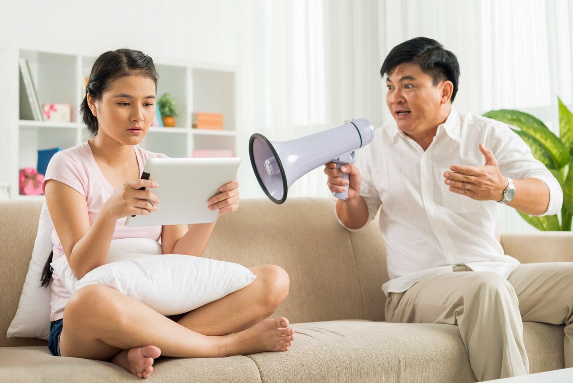 Vì sao con cái thường không muốn giải quyết vấn đề theo lời bố mẹ?