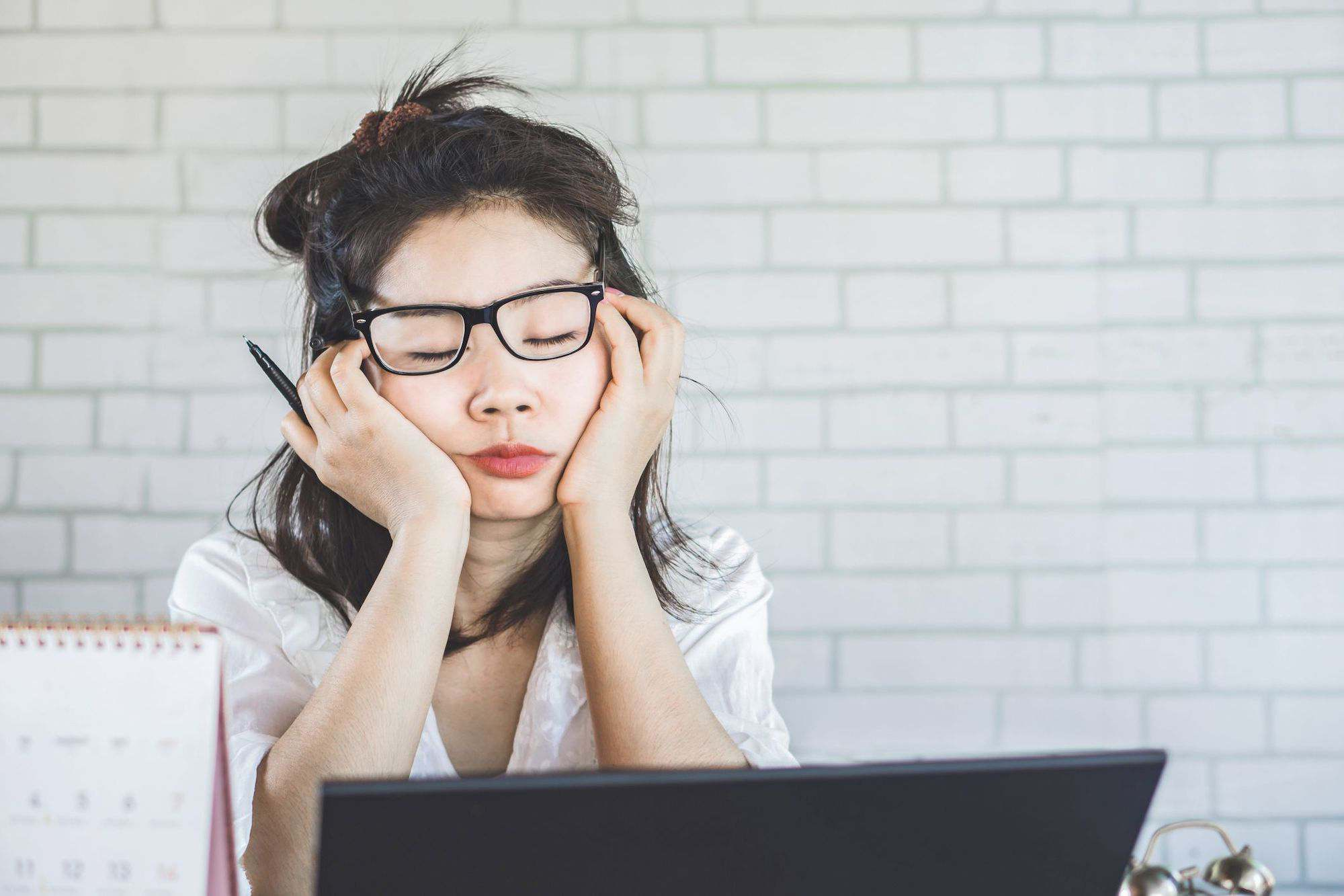 #WFHTips: Burnout khi làm việc tại nhà, bạn đã biết cách giải quyết?