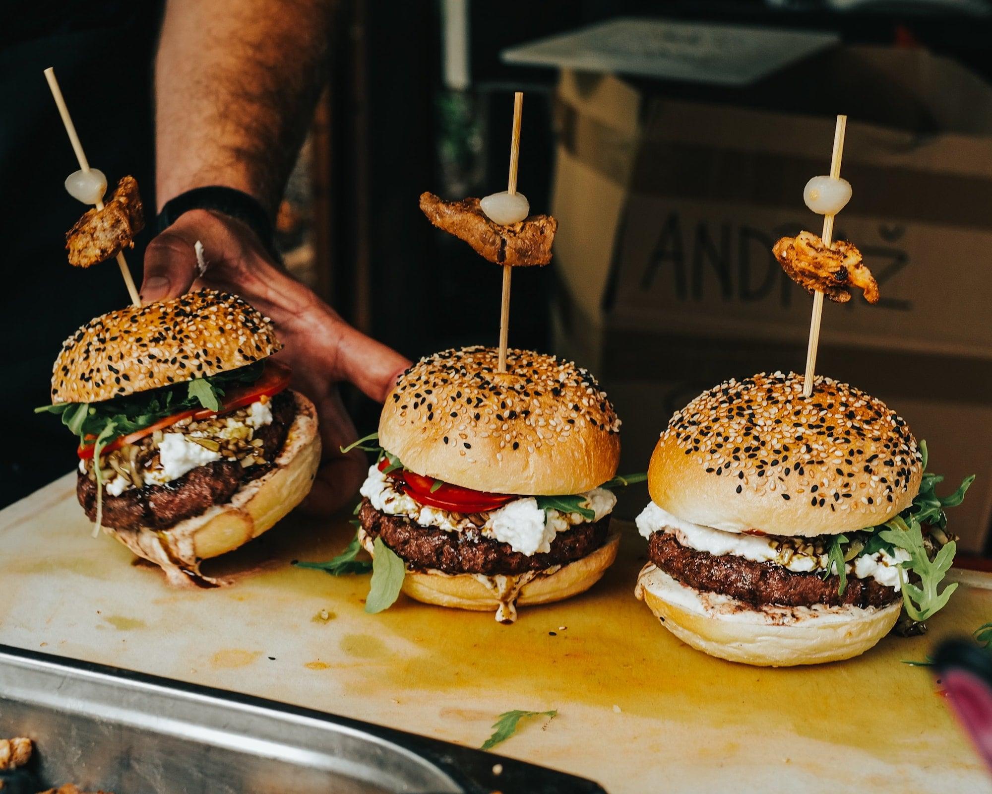 5 địa điểm burger nổi tiếng cho phép bạn tận hưởng món ngon ngay tại nhà