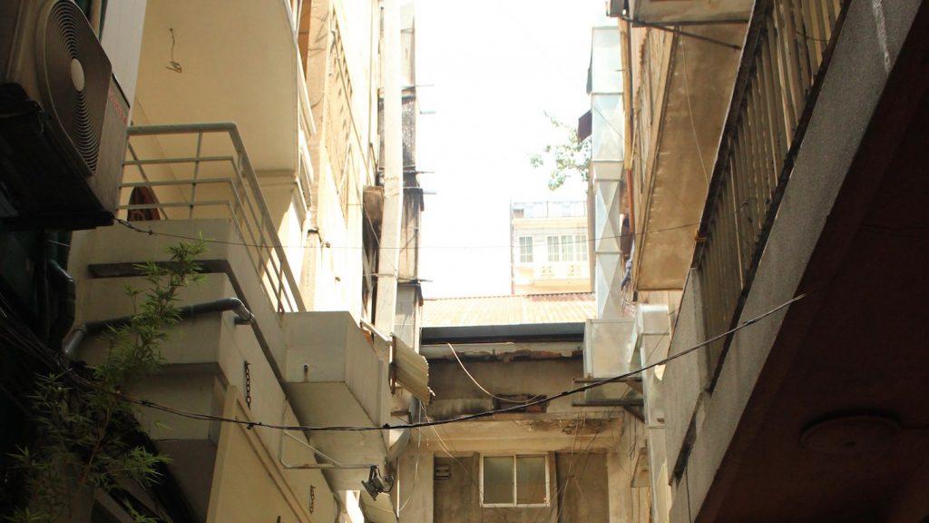 Lazy alleyway