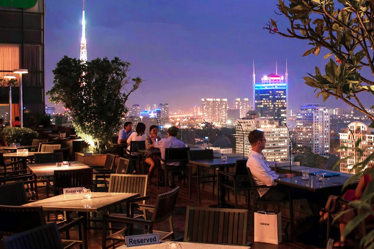 Shri Restaurant and Lounge
