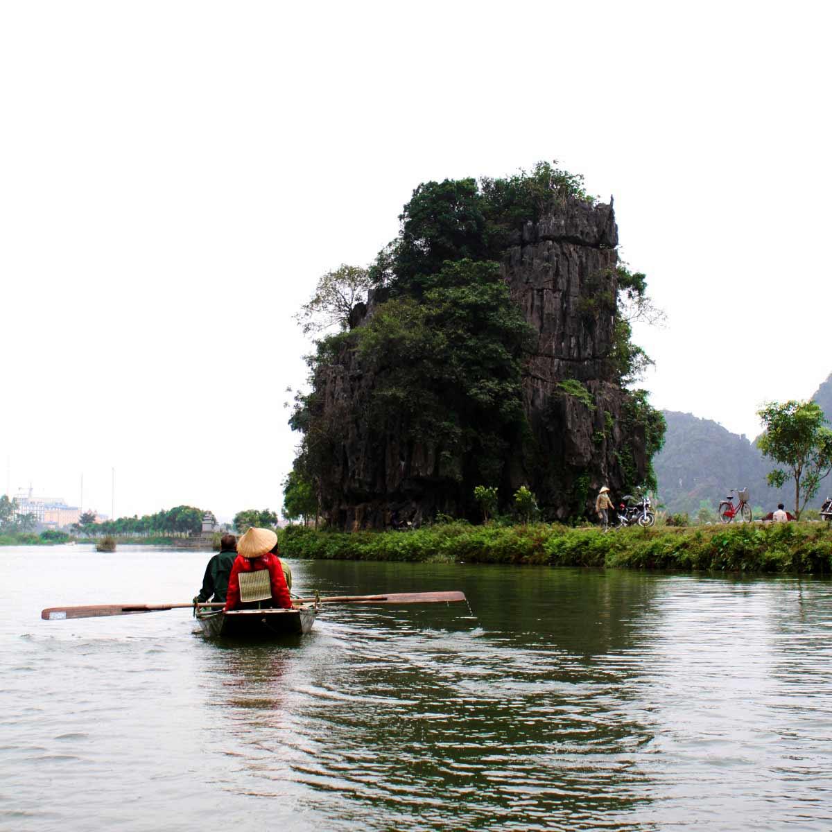 Tam Coc Boat Trip