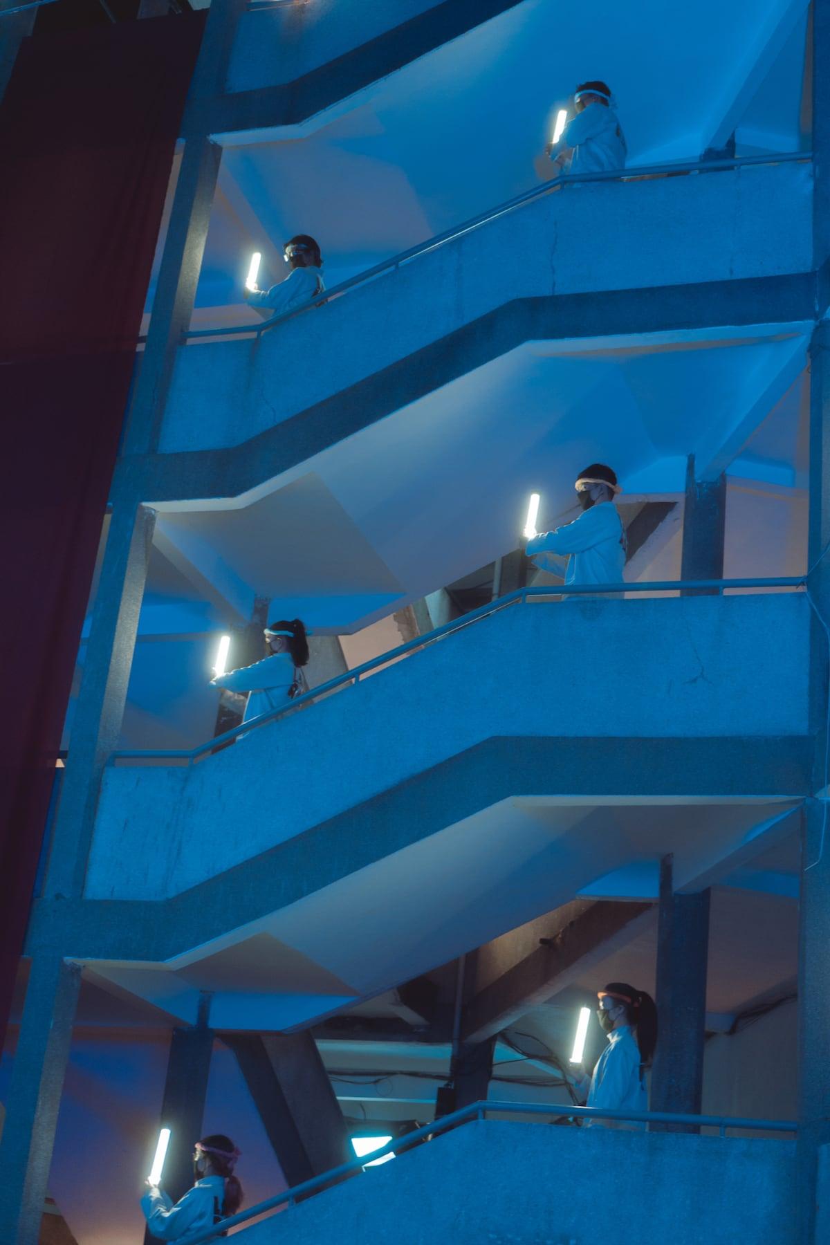 The neon light scene in Cu Xa Thanh Da